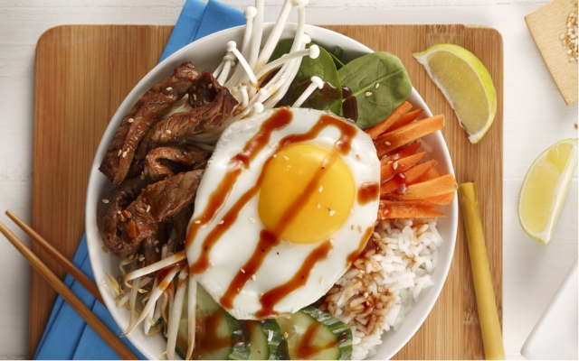 Bibimbap beef marinated in lemon grass
