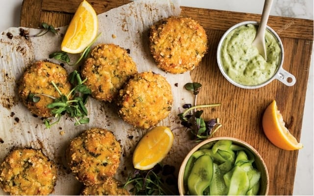 Fish cakes with avocado mayo