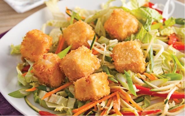 Salade au tofu croustillant