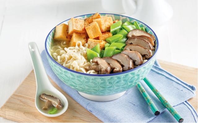 Soupe ramen au tofu etchampignons shiitake
