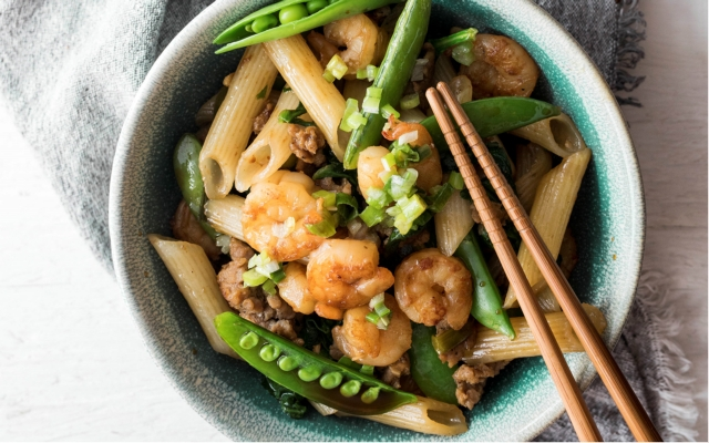 Asian penne with shrimp and sausages
