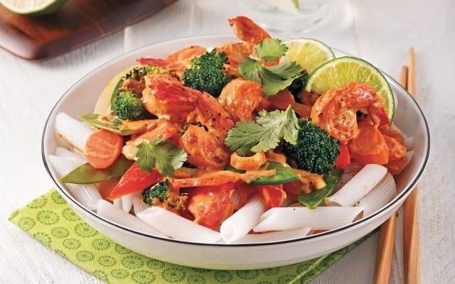 Sauté aux crevettes sur nouilles de riz courtes